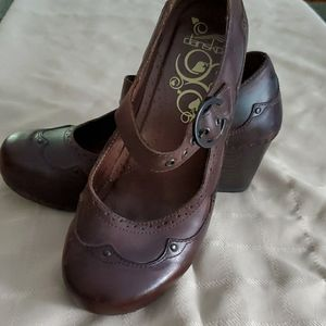 Dansko brown  shoes